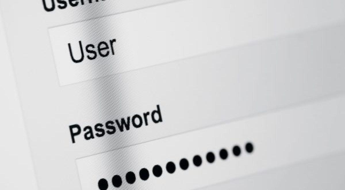 Turvallinen internetin käyttö ilman salasanan joutumista vääriin käsiin